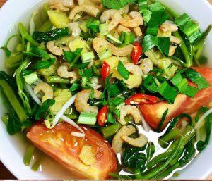 Canh chua rau muống nấu tôm khô mát lạnh